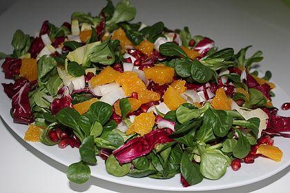 Rezeptbild zum Rezept Wintersalat mit Chicoree und Radicchio