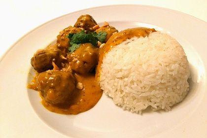 Rezeptbild zum Rezept Erdnuss - Hack - Bällchen in Currysauce