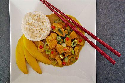 Rezeptbild zum Rezept Feuervogels indonesische Hähnchenbrust mit Mango
