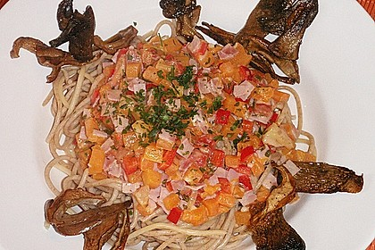 Rezeptbild zum Rezept Spaghetti mit Kürbis - Paprika - Ragout